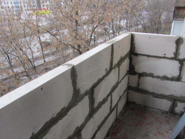 Балконную плиту нужно подготовить