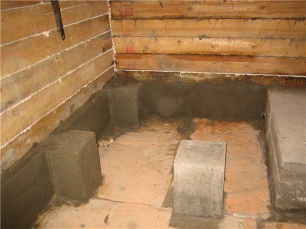 Готовые бетонные столбики