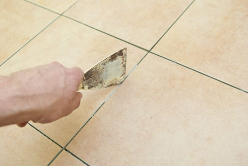 Очистка швов плитки