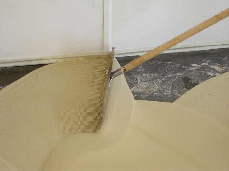 Ракля (шпатель) для наливного пола