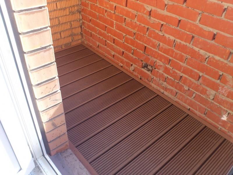 Как укладывать террасную доску на балконе.