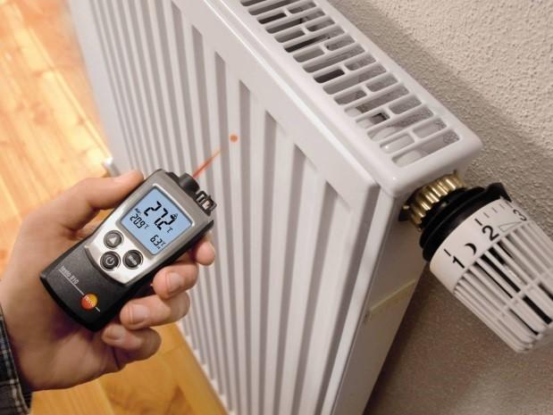В квартирах реализовать подобное намного сложнее, так как приходится согласовывать действия с теплосетями