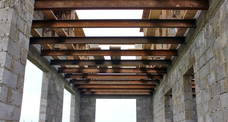 Даже если балки стальные, верхний слой перекрытия будет деревянным