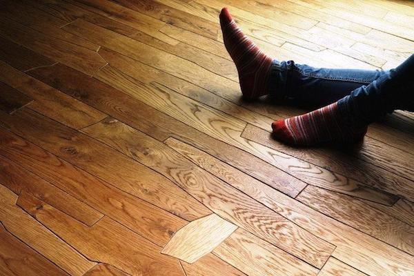 Как устранить скрип деревянных полов без разборки