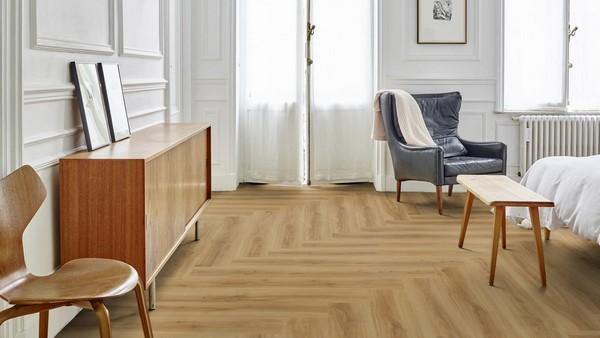 На рынке представлен широкий ассортимент кварцвиниловой плитки, оформленной в различном дизайне, - вы сможете подобрать наиболее подходящий для вас вариант