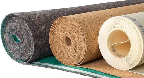 Подложки, изготовленные из нескольких материалов одновременно, служат обычно очень долго, устраняют разные недостатки стяжки