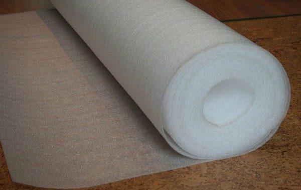 Подложки в 2 мм имеют, как правило, невысокую цену, но они легко деформируются