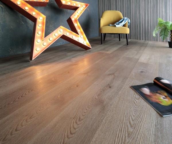 Многие люди, использовавшие кварцивиниловую плитку в своих домах, довольны таким напольным покрытием