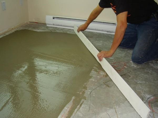 Обычно плиточный клей используют для фиксации плитки, камней