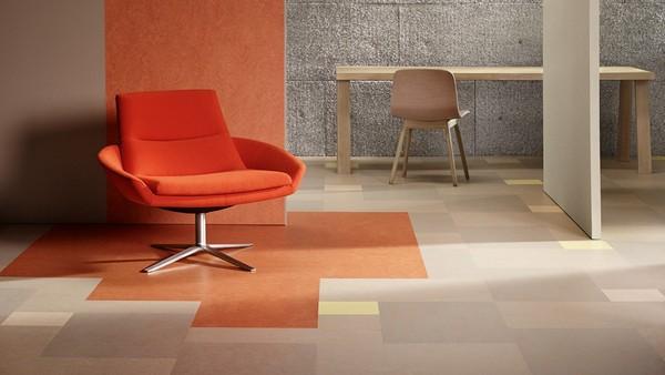 В жилых помещениях лучше укладывать мармолеум в виде плиток и прямоугольных ламелей