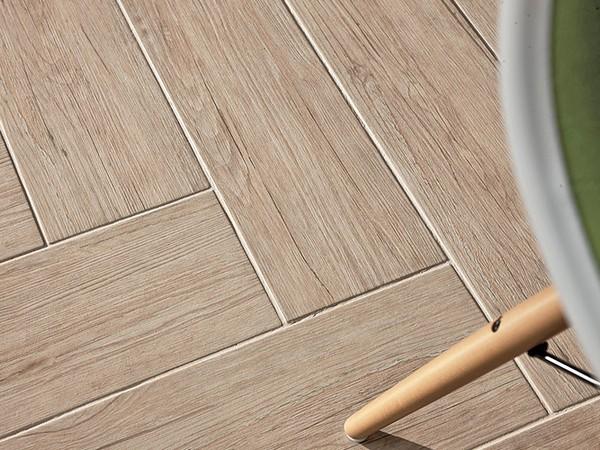 Еще одно большое преимущество плитки – простота ухода