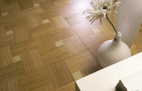 Монтаж плитки не слишком прост, особенно для новичка в сфере строительства и ремонта