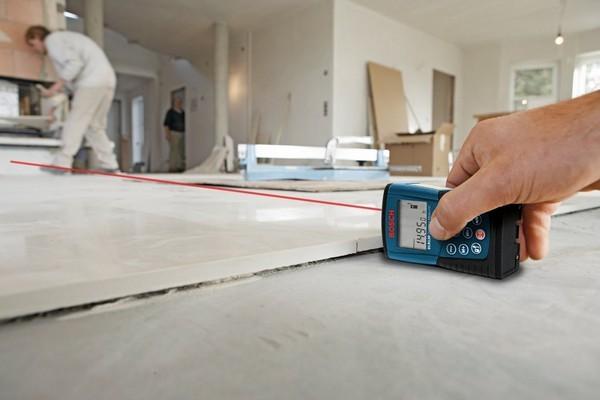 Важно заранее произвести замеры помещения, чтобы купить достаточно материала