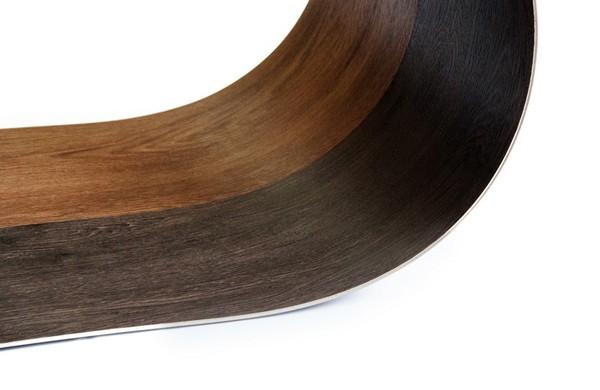 Гибкий ламинат реализуется в разных расцветках и оформлениях – можно легко подобрать наиболее подходящий вариант