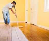 Чем покрасить деревянный пол в доме? Выбираем материал правильно!